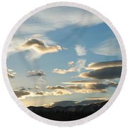 Sunset And Iridescent Cloud Round Beach Towel