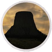 Sunset At Devils Tower Round Beach Towel