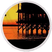 Sunset At Raft With Bird Round Beach Towel