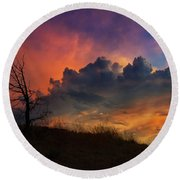 Sunset In Central Oregon Round Beach Towel
