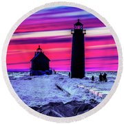 Sunset In Winter At Grand Haven Lighthouse Round Beach Towel