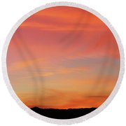 Sunset Off Of Kings Hwy Round Beach Towel