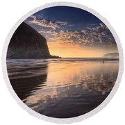Sunset On Cannon Beach Round Beach Towel