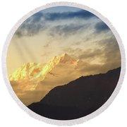 Sunset On Mount Kanchenjugha At Dusk Sikkim Round Beach Towel