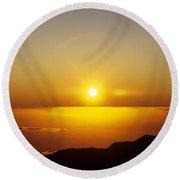 Sunset On The Horizon Round Beach Towel