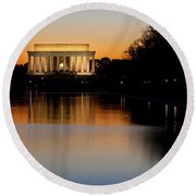 Sunset Over Lincoln Memorial Round Beach Towel