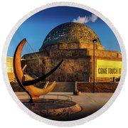 Sunset Over The Adler Planetarium Chicago Round Beach Towel