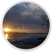 Sunset Over The Mississippi In Wisconsin Round Beach Towel