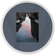 Sunset Reflections In Venice Round Beach Towel