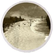 Superstar Skiing Round Beach Towel