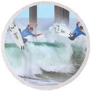 Surfing Sequence Round Beach Towel
