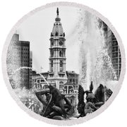 Swann Memorial Fountain In Black And White Round Beach Towel