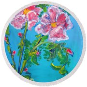 Sweet Pea Flowers On A Vine Round Beach Towel