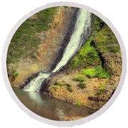 Table Mountain Waterfalls Round Beach Towel