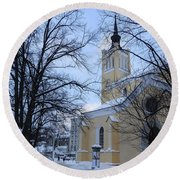 Tallin Church In Winter Round Beach Towel