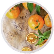 Tangerines With Leaves Round Beach Towel
