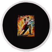 Tango In Red Round Beach Towel