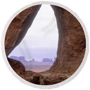 Teardrop Arch-monument Valley Round Beach Towel