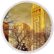 Ten Past Four At Madison Square Park Round Beach Towel