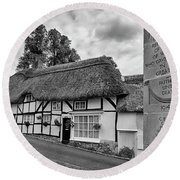 Thatched Cottages Of Hampshire 13 Round Beach Towel