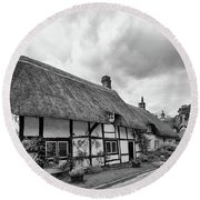 Thatched Cottages Of Hampshire 15 Round Beach Towel