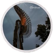 The Angel At Christmas Round Beach Towel