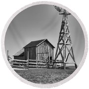 The Barn And Windmill Round Beach Towel
