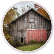 The Barn With The Red Door Round Beach Towel