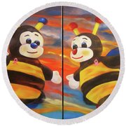The Bees, Joey And Lilly Round Beach Towel