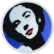 The Charming Lady In Black And White With Red Lips Round Beach Towel