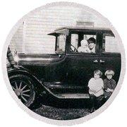 The Family Car Round Beach Towel