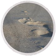 The Footprint Of Invisible Man On The Sand Round Beach Towel