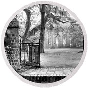The Gates Of The Old Sheldon Church Round Beach Towel