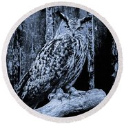 Majestic Great Horned Owl Bw Round Beach Towel