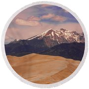 The Great Sand Dunes And Sangre De Cristo Mountains Round Beach Towel