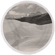 The Great Sand Dunes  Bw Sepia Round Beach Towel