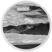 The Great Sand Dunes Panorama 2 Round Beach Towel