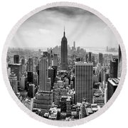 New York City Skyline Bw Round Beach Towel