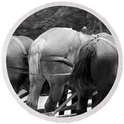 The Horses Of Mackinac Island Michigan 03 Bw Round Beach Towel