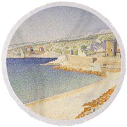 The Jetty At Cassis Round Beach Towel