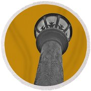 The Lamppost  Round Beach Towel