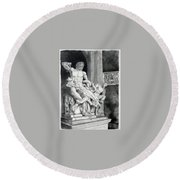 The Laocoon Group Round Beach Towel