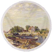 The Loing At Saint Mammes 1885 Round Beach Towel