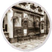 The Mayflower Pub London Vintage Round Beach Towel