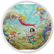 The Mermaids Of Weeki Wachee State Park Round Beach Towel