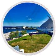 The Milwaukee Art Museum On Lake Michigan Round Beach Towel