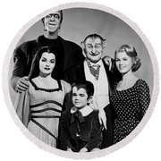 The Munster Family Portrait Round Beach Towel