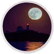 The Nubble And The Full Moon Round Beach Towel
