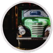 The Old Beer Truck Round Beach Towel
