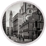 The Old State House Round Beach Towel